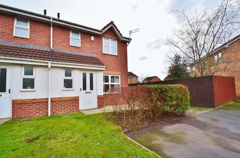 3 Bedrooms Semi Detached House for sale in Redmans Close, Eccles