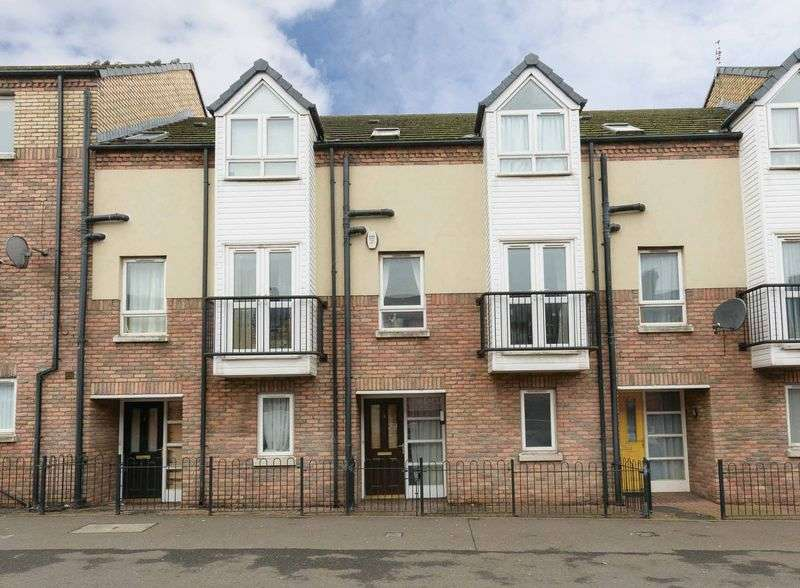 4 Bedrooms House for sale in Kingscourt Close, Belfast