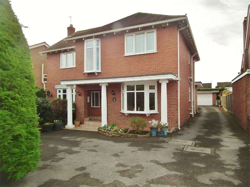 4 Bedrooms Detached House for sale in Tudor Road, Ainsdale