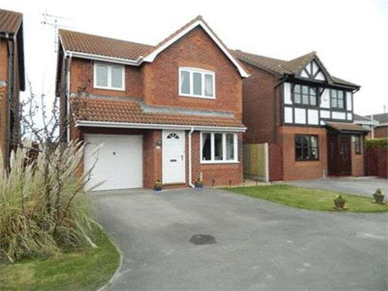 3 Bedrooms Detached House for sale in Walnut Crescent, Rhyl