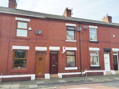 2 Bedrooms Terraced House for sale in Smallshaw Lane, Ashton-under-Lyne, Greater Manchester