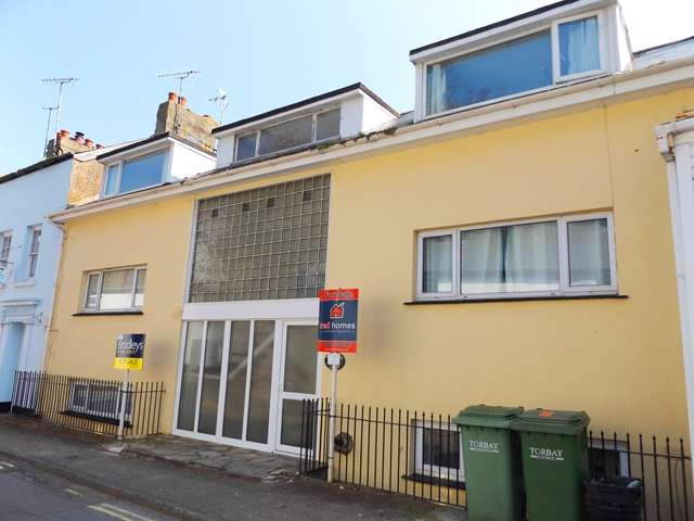 2 Bedrooms Flat for sale in Trevelyan Court, Church Street, Brixham, TQ5 8HQ