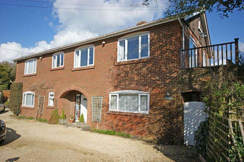 5 Bedrooms Detached House for sale in Lymore Lane, Milford On Sea, Lymington