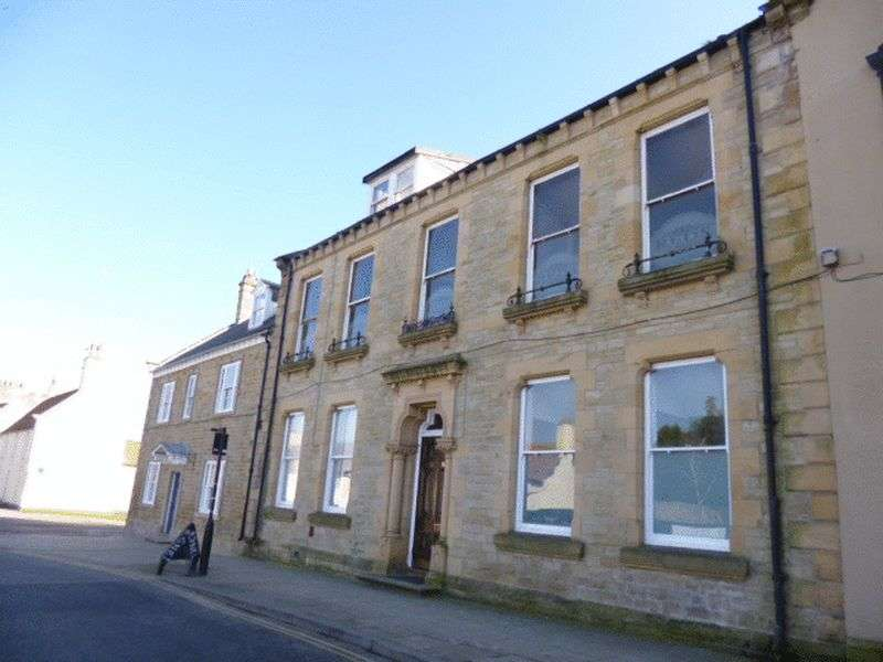 3 Bedrooms Flat for sale in Market Place, Bishop Auckland