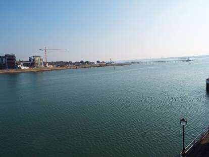 4 Bedrooms Flat for sale in Channel Way, Ocean Village, Southampton