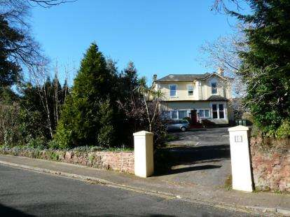 5 Bedrooms Detached House for sale in Paignton, Devon