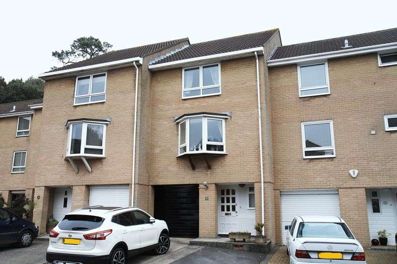 3 Bedrooms Terraced House for sale in Friary Close, Clevedon
