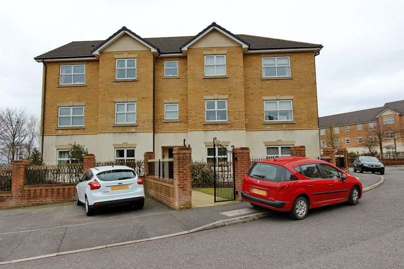1 Bedroom Flat for sale in Hampstead Drive, Whitefield, Manchester