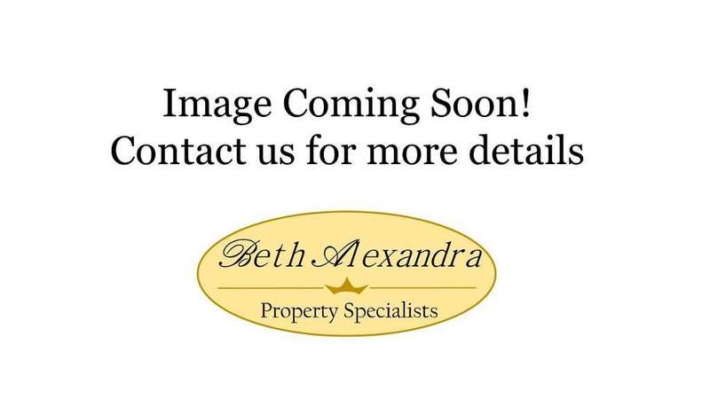 3 Bedrooms End Of Terrace House for sale in Coal Clough Lane, Burnley, BB11 4NS