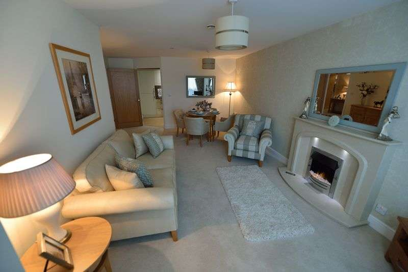 2 Bedrooms Flat for sale in HONEYBOURNE GATE, CHELTENHAM