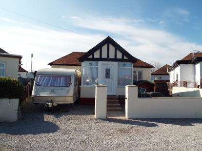 2 Bedrooms Bungalow for sale in Woodside Avenue, Kinmel Bay, Rhyl, Conwy, LL18