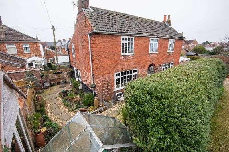 4 Bedrooms Detached House for sale in Reynard Street, Spilsby