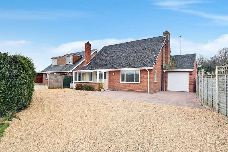 4 Bedrooms Property for sale in Arnfield Lane, New Costessey