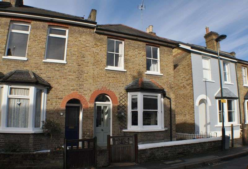 3 Bedrooms Terraced House for sale in Knowle Road, Twickenham