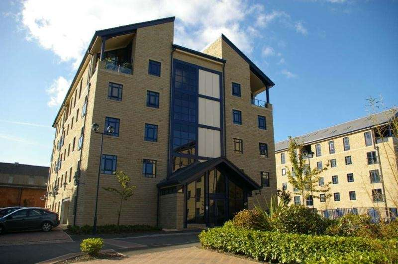 2 Bedrooms Flat for sale in Equilibrium, Plover Road, Huddersfield, West Yorkshire