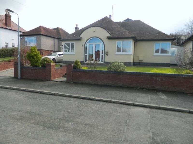 4 Bedrooms Detached Bungalow for sale in Plas Avenue, PRESTATYN