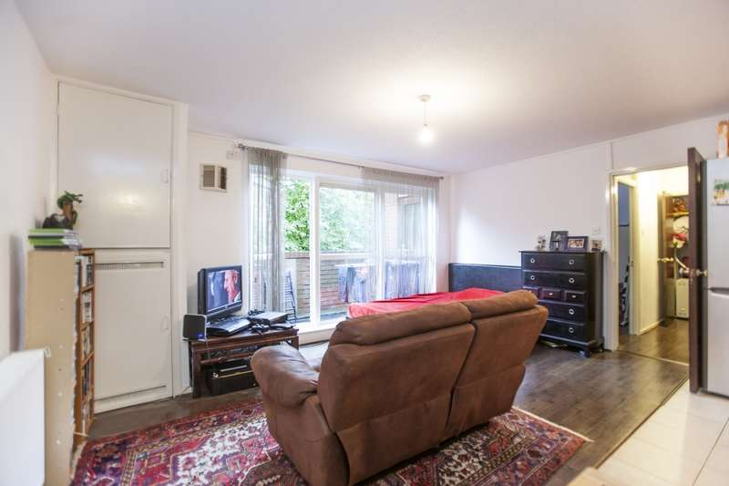 1 Bedroom Flat for sale in RUSSET CRESCENT, LONDON, London, N7