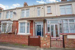 3 Bedrooms Terraced House for sale in Seaton Road, Gillingham, Kent, .