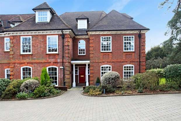 3 Bedrooms Flat for sale in Chilworth, Southampton, Hampshire