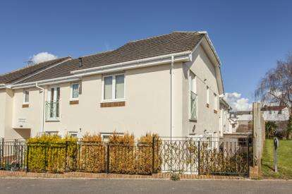 1 Bedroom Flat for sale in Butts Way, North Tawton, Devon