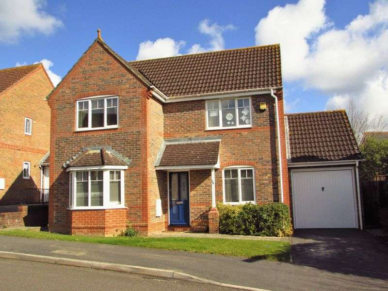 3 Bedrooms Detached House for sale in Manor Fields, Newbury
