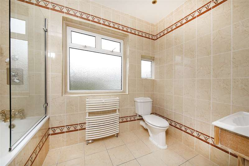 5 Bedrooms Detached House for sale in The Chase, West Coulsdon