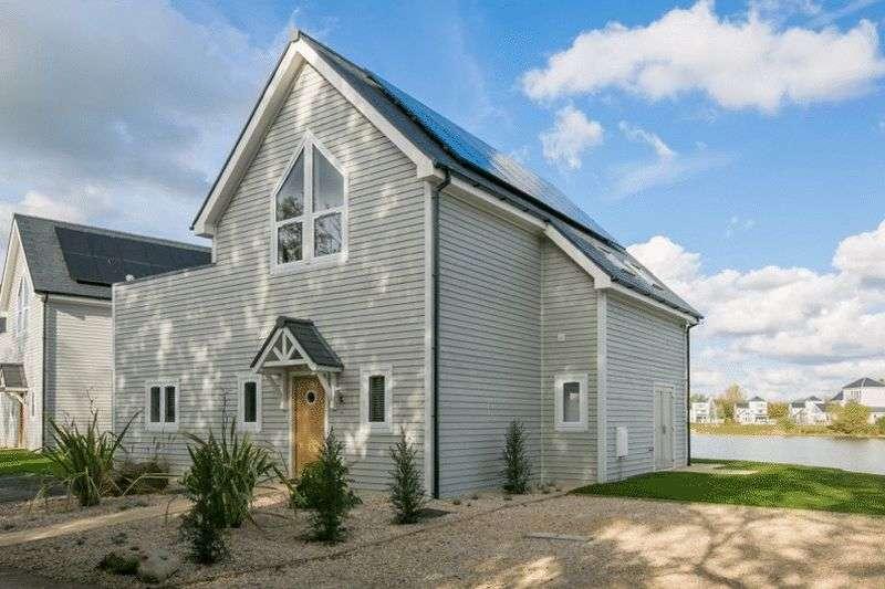 3 Bedrooms Detached House for sale in Plot 44, Summer Lake, Spine Road, South Cerney, GL7 5LW
