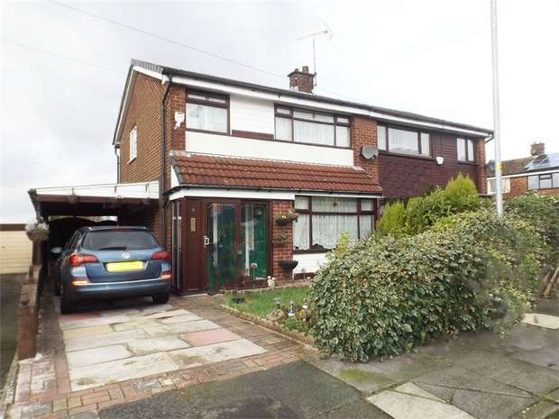 3 Bedrooms Semi Detached House for sale in Chilton Drive, Middleton, Manchester, Lancashire