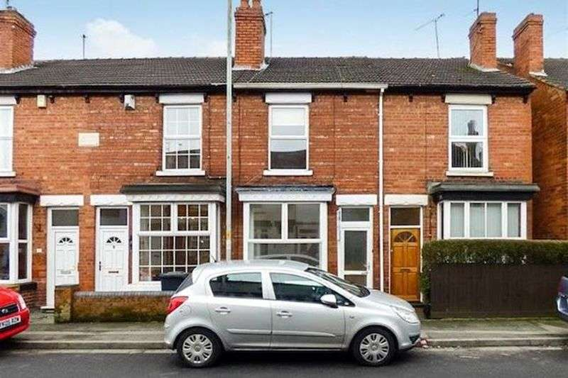 3 Bedrooms Terraced House for sale in Aldersley Road,Tettenhall, Wolverhampton. WV6 9NB