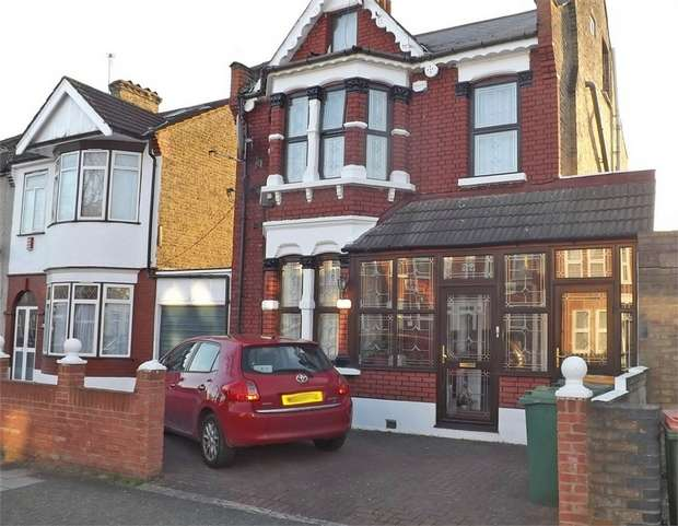 4 Bedrooms Detached House for sale in Dacre Road, London