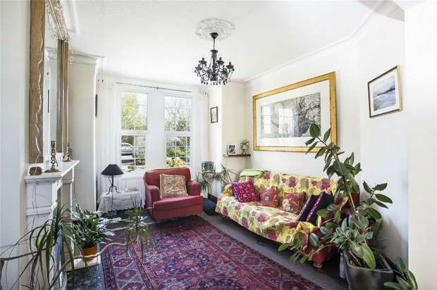 3 Bedrooms Terraced House for sale in Midland Terrace, Acton