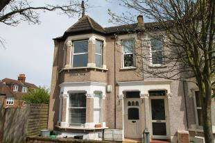 2 Bedrooms Flat for sale in Morgan Road, Bromley