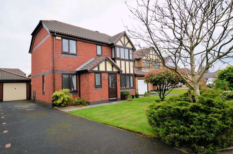 4 Bedrooms Detached House for sale in Rothbury Close, Bury, BL8. 4 Beds, En Suite, Cul De Sac Location