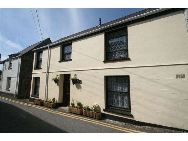 2 Bedrooms Terraced House for sale in Victoria Street, ST COLUMB MAJOR