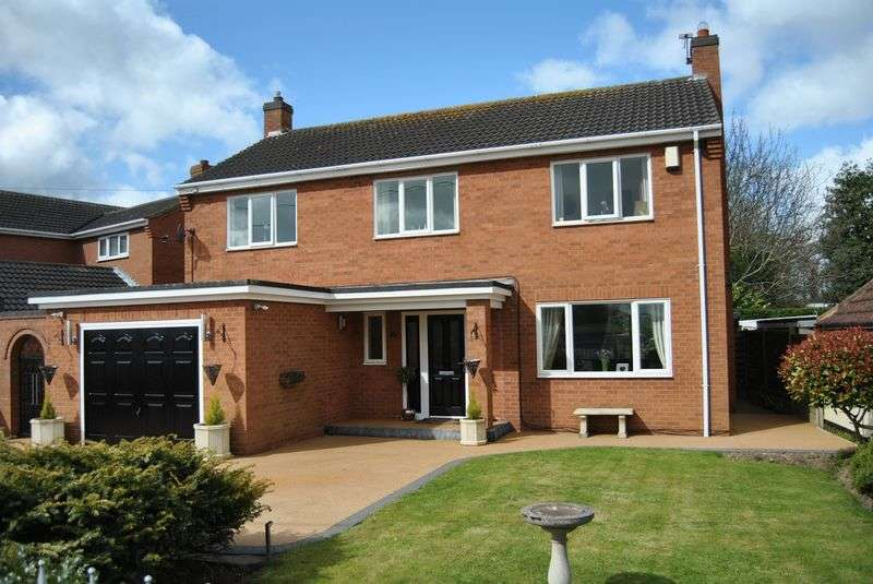 4 Bedrooms Detached House for sale in South Street, West Butterwick