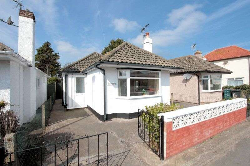 2 Bedrooms Detached Bungalow for sale in St. Asaph Avenue, Kinmel Bay