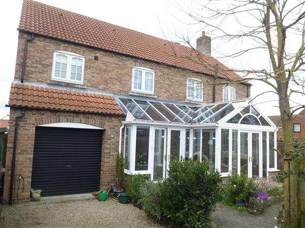 5 Bedrooms Detached House for sale in Jasmine Garth, Sutton On Derwent, York