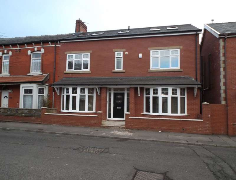 5 Bedrooms Property for sale in London Road, Brookhouse, Blackburn, BB1