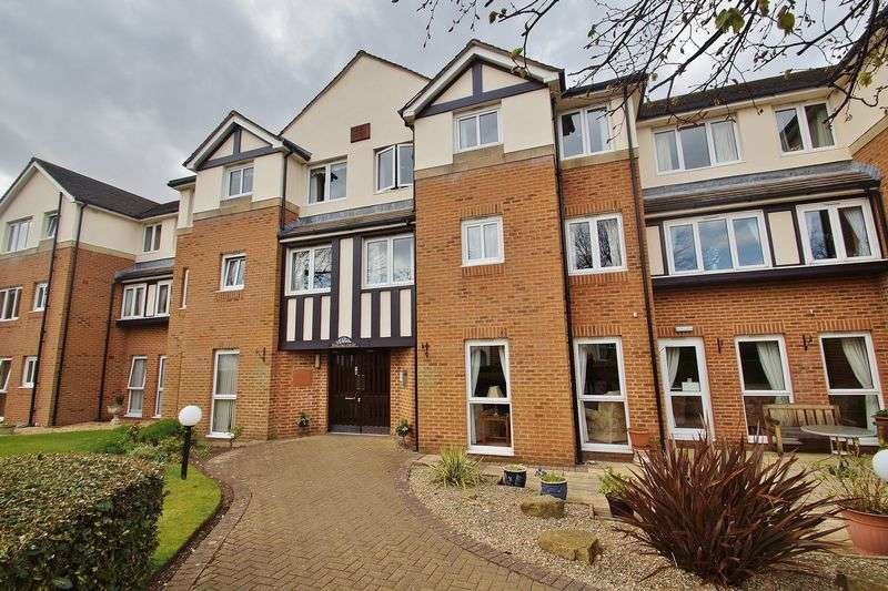 1 Bedroom Retirement Property for sale in Stirling Court, St Clair Drive, Southport