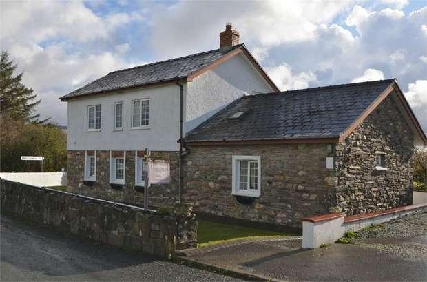6 Bedrooms Detached House for sale in Maenclochog, Clynderwen, Pembrokeshire