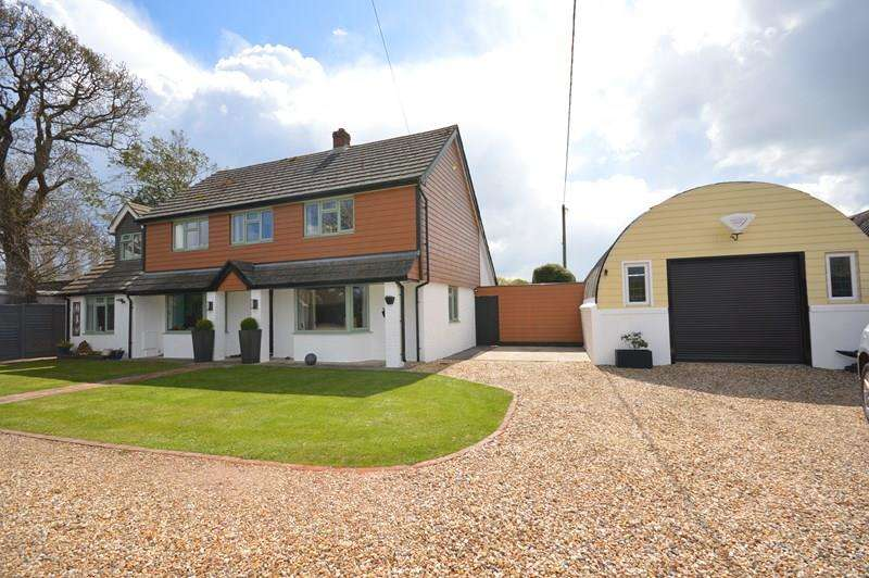 4 Bedrooms Detached House for sale in Silver Street, Sway, Lymington