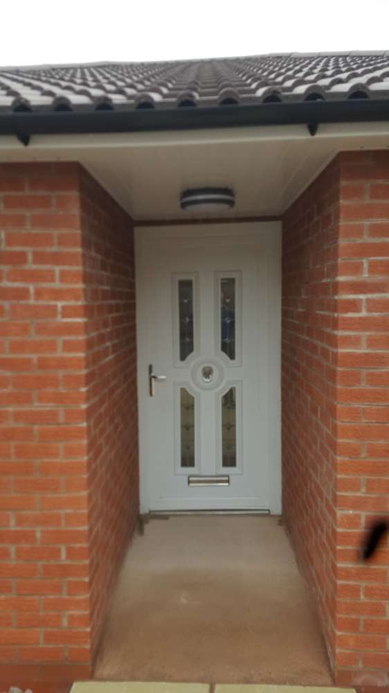 3 Bedrooms Bungalow for sale in Church Walk, Telford, Shropshire, TF4