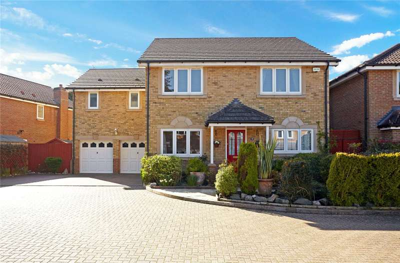 5 Bedrooms Detached House for sale in Cedar Park, Caterham, Surrey, CR3