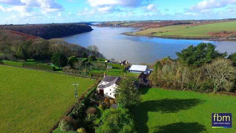 3 Bedrooms Detached House for sale in Ridgeway House, Four Ashes, Cosheston, Pembroke Dock, Pembrokeshire