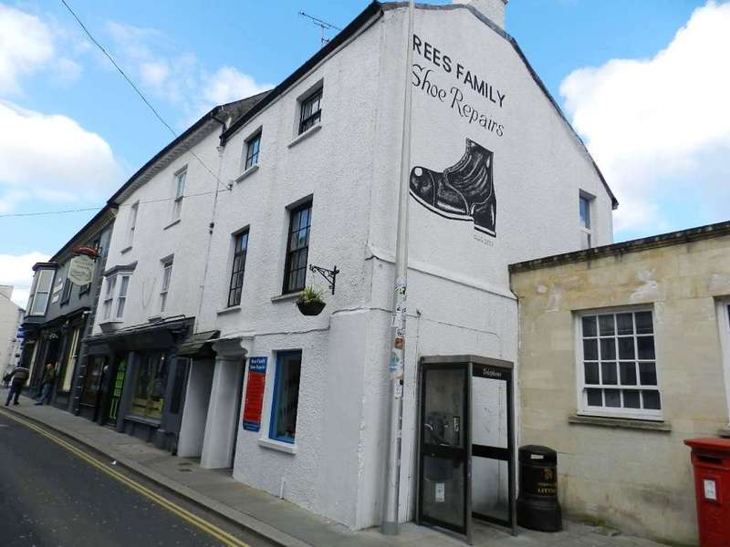 1 Bedroom Flat for sale in Quay Street, Haverfordwest, Pembrokeshire