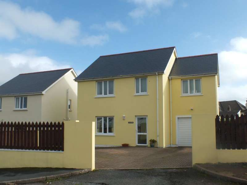 4 Bedrooms Detached House for sale in Chatom, The Ropewalk, Hakin, Milford Haven