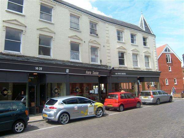 1 Bedroom Apartment Flat for sale in Fore Street For Buy To Let Investor!