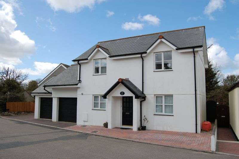 4 Bedrooms Detached House for sale in Little Lane, Hayle