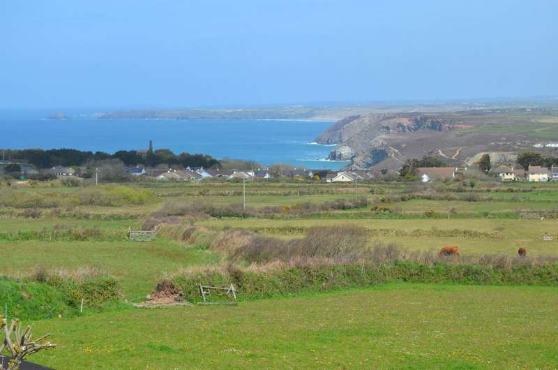 3 Bedrooms Detached Bungalow for sale in Beacon Road, St. Agnes, Cornwall