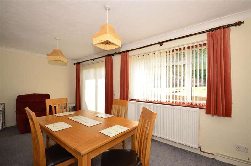 3 Bedrooms Semi Detached House for sale in Chartwell Close, Frindsbury, Rochester, Kent